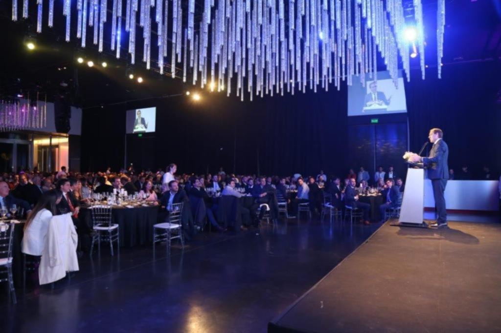 Garro juntó a empresarios en una cena para recaudar fondos para la campaña