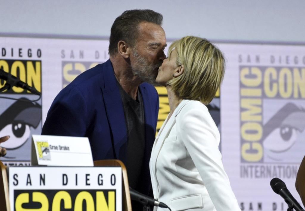 """Falta menos: Arnold y Linda anticiparon la nueva película de """"Terminator"""" en la Comic-Con"""