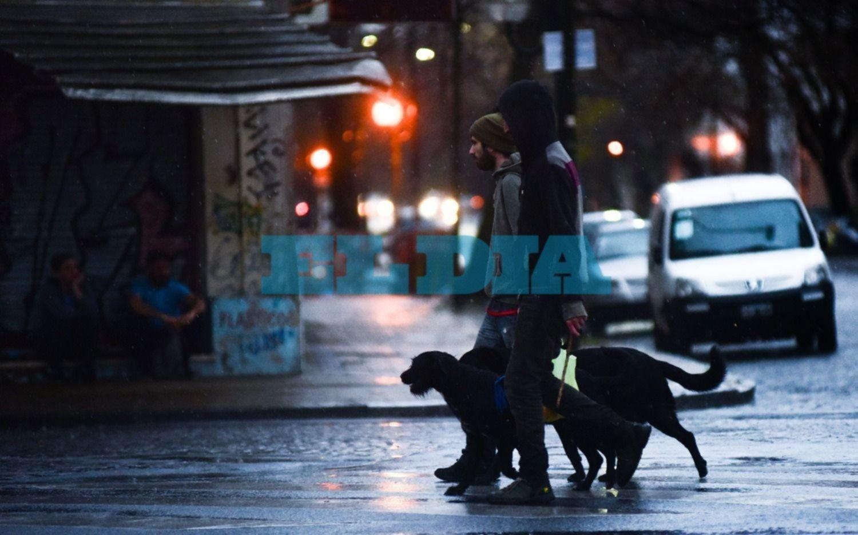 Persisten las lluvias y se mantiene el alerta meteorológico hasta la madrugada
