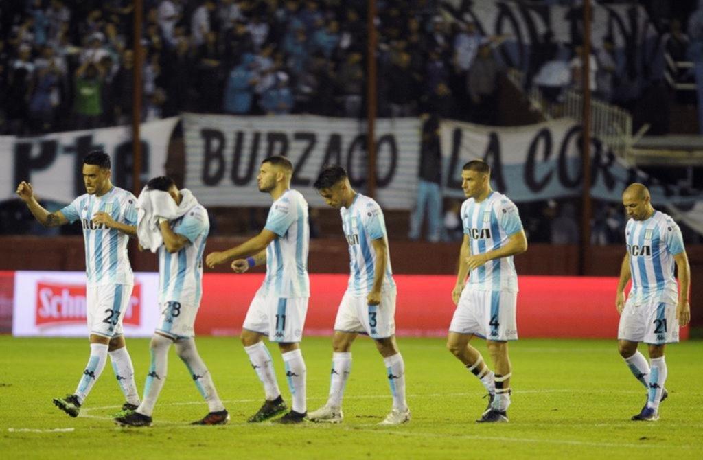 Racing no esquivó el papelón y quedó eliminado a manos de Boca Unidos desde los penales
