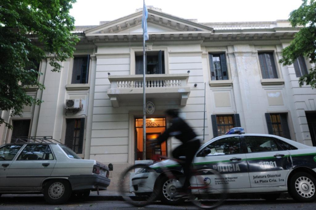 Un subcomisario, desafectado tras un incidente en el Centro con policías