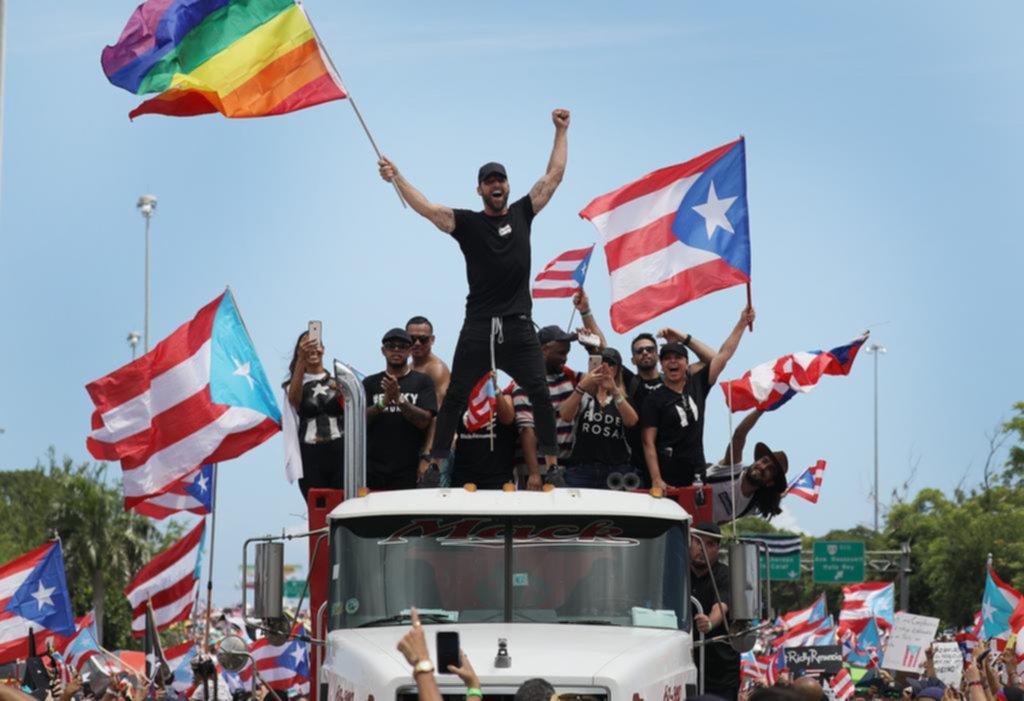 Ricky Martin lideró otra masiva marcha para exigir la renuncia del gobernador de Puerto Rico