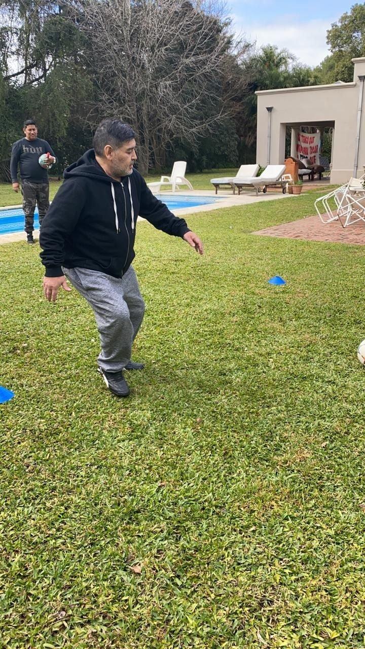 La rutina de Diego: con fútbol-tenis y nada de alcohol ya bajó 5 kilos