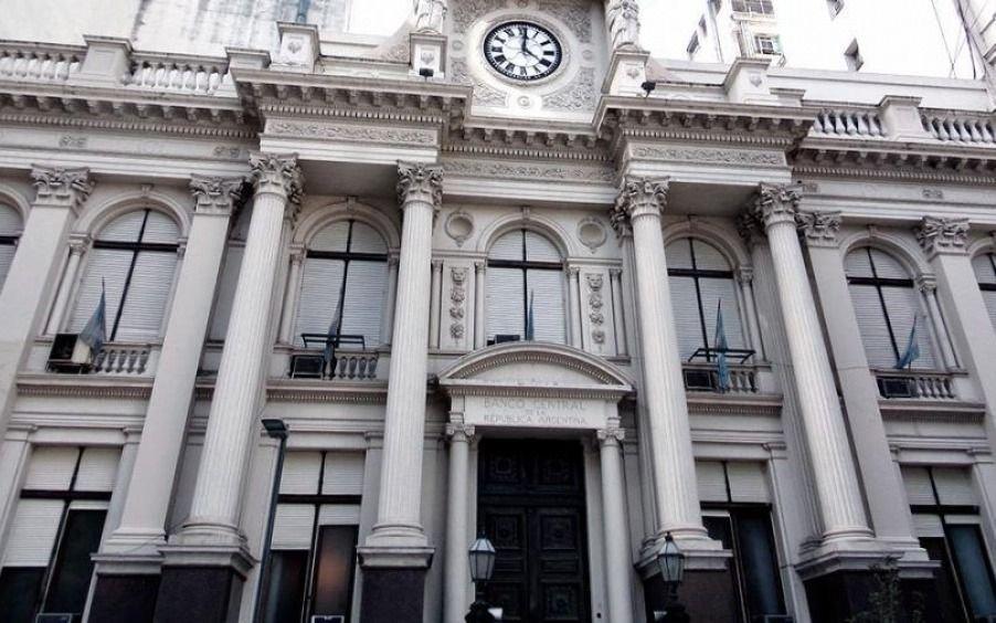 Agentes financieros estiman una caída anual del PBI del 12% en Argentina