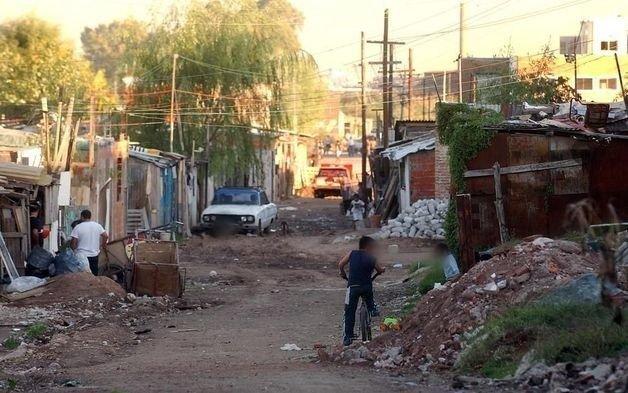 La UCA asegura que la pobreza en el país subió 7 puntos durante la cuarentena y ya se ubica en el 45%