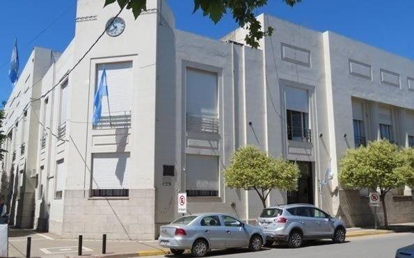 Escándalo en Dolores, vuelta de fase en varios municipios e intendentes preocupados