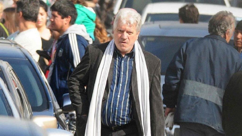 Crespi defendió a Tevez y destrozó a Bermúdez y Cascini