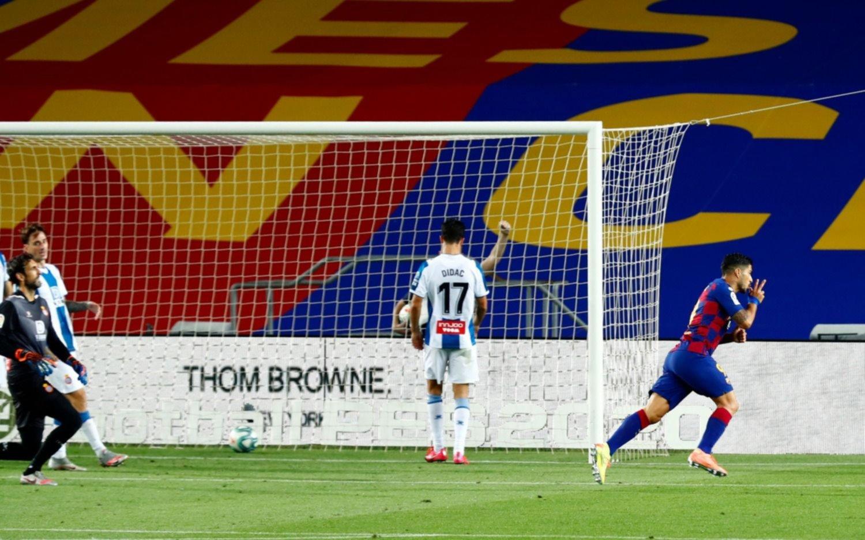 Barcelona quedó a un punto de Real Madrid y condenó a Espanyol al descenso