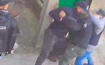 Vestidos de policías simulan un allanamiento e intentan ingresar a una casa en Moreno