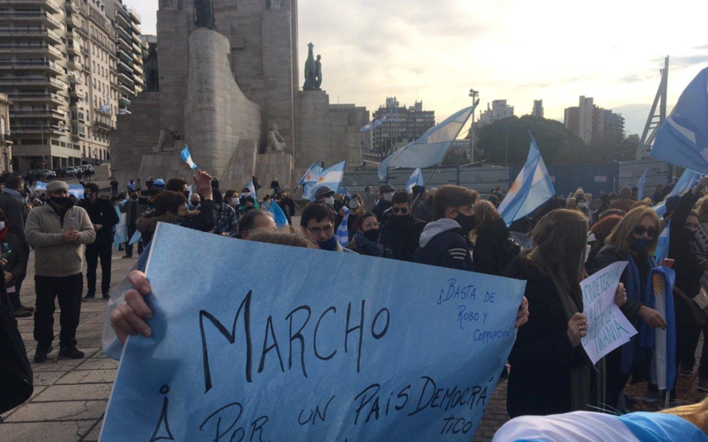 """#9JYoVoy: Protestas en distintos puntos del país para reclamar """"respeto por las instituciones"""""""