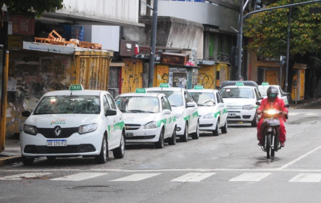 Prorrogarían la renovación de los modelos de taxis y remises