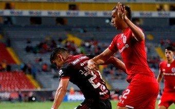 Jugador argentino afirmó que contrajo coronavirus y lo hicieron entrenar igual