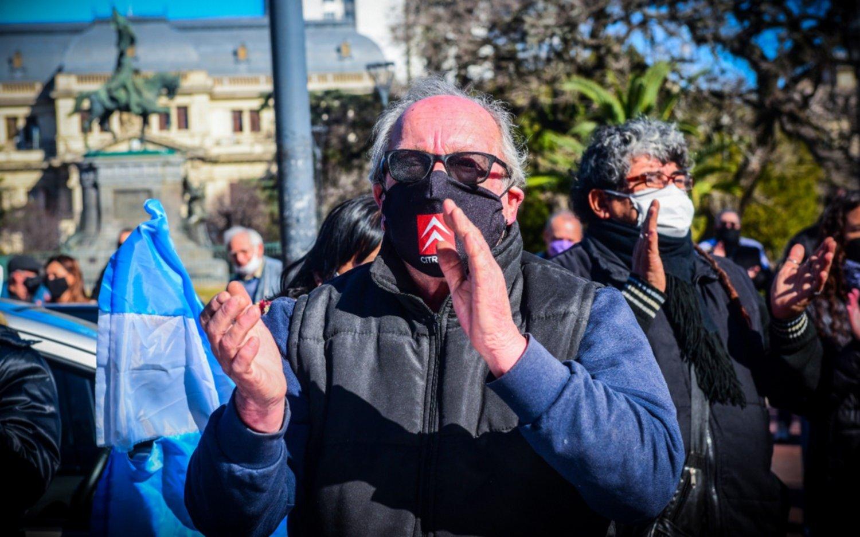 Afiliados al IOMA anunciaron otra marcha en La Plata por falta de cobertura médica