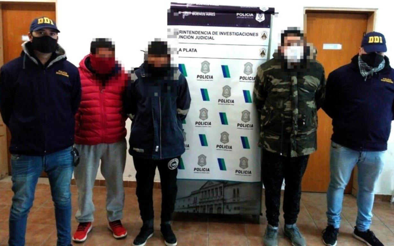 La policía allanó 17 domicilios para identificar a implicados en el tiroteo entre facciones de la Uocra