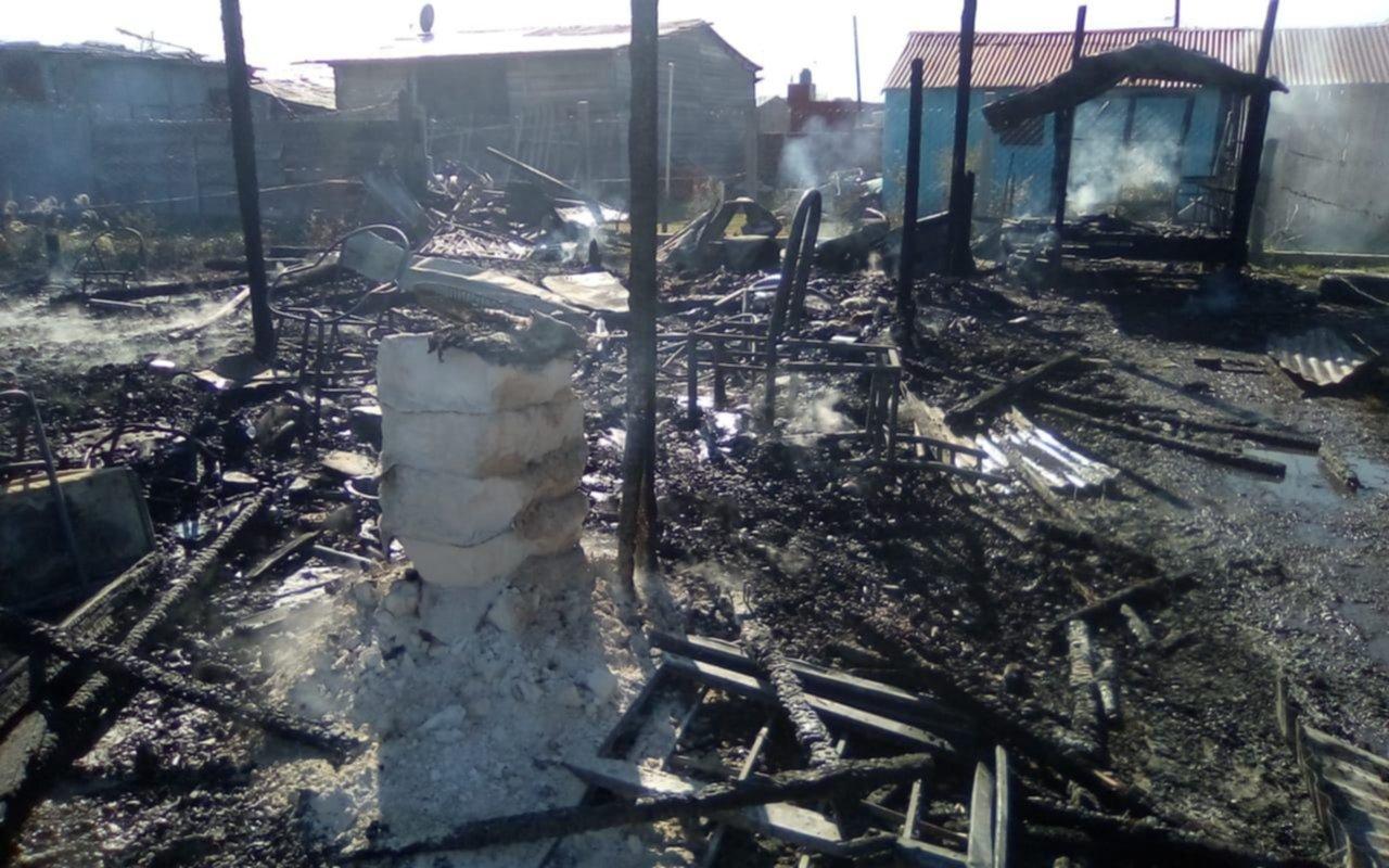 Devastador incendio en Abasto dejó a una familia en la calle
