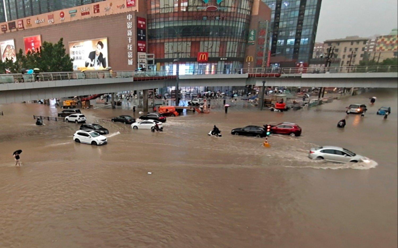 Las fotos de la histórica inundación en China: al menos tres muertos y más de 10 mil evacuados