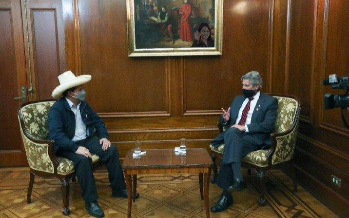 Perú aceleró la transición, a una semana de la asunción de Castillo
