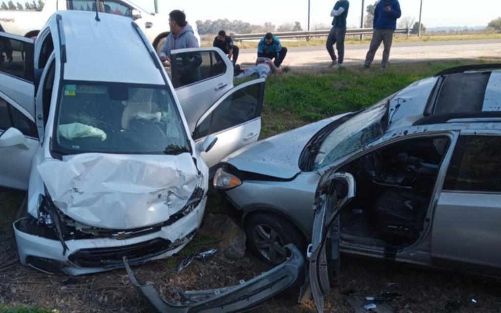 La cantante Rocío Quiroz y su bebé, entre los heridos por un fuerte choque en Ruta 2