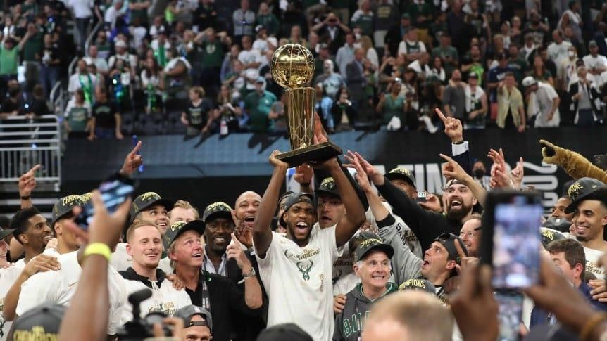 Los Bucks siguen de fiesta tras coronarse campeón de la NBA