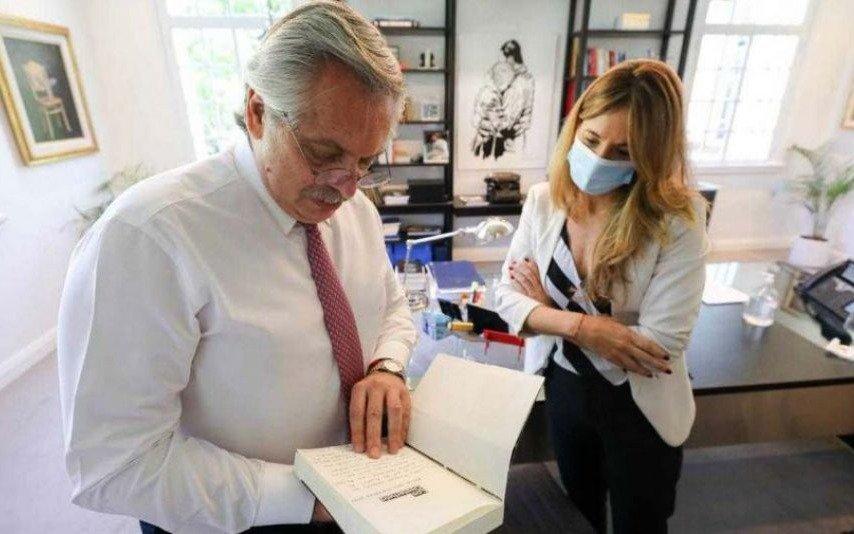 """""""No es una amenaza"""", dijo CeciliaNicolini sobre el reclamo a Rusia por las vacunas"""