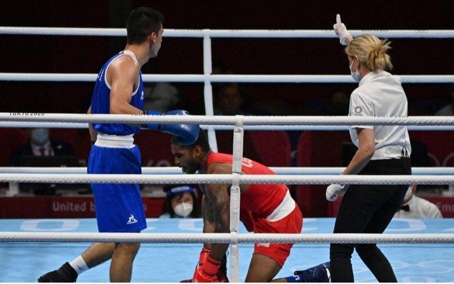 Escándalo en los Juegos Olímpicos: el boxeador argentino que derribó a su rival pero le dieron por perdida la pelea
