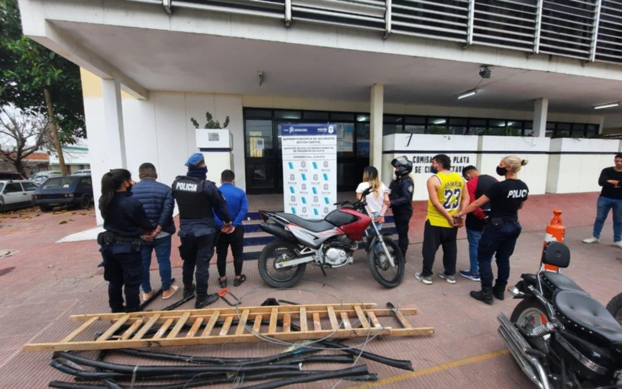 Los robacables no dan tregua y detienen a cinco in fraganti en La Plata
