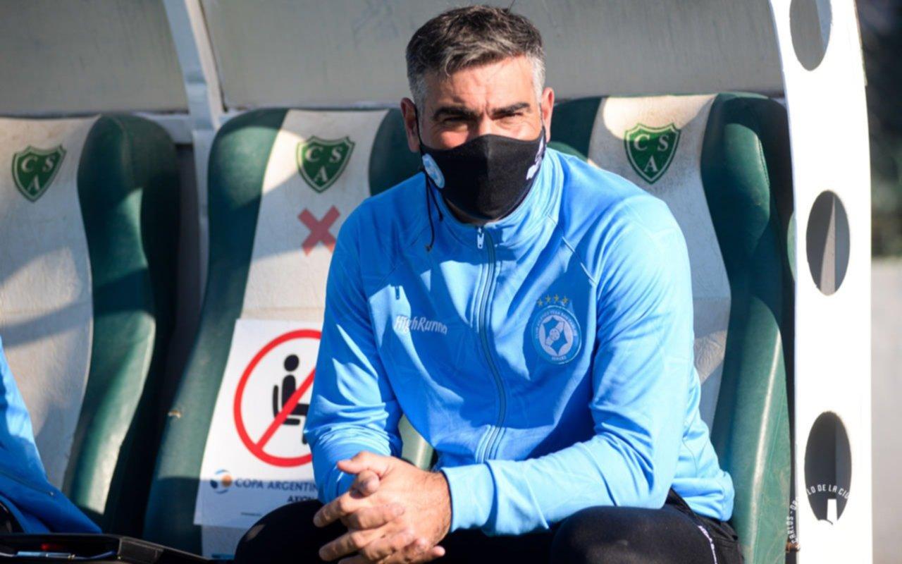 El entrenador de Villa San Carlos está internado por coronavirus