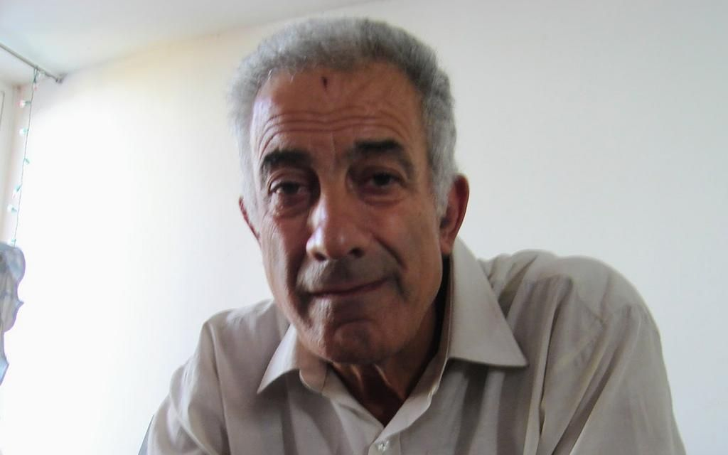 Carlos Tau