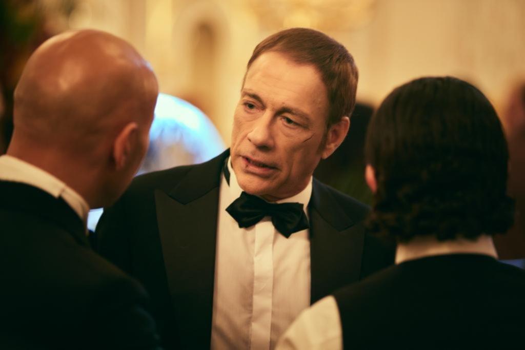 """""""El último mercenario"""": Van Damme entre patadas, pasos de comedia y emoción"""