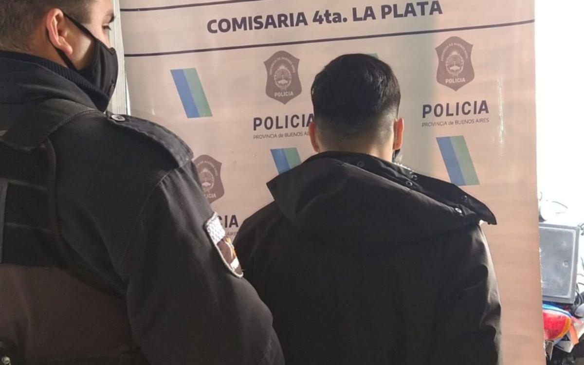 Cayeron cuatro extranjeros que intentaban abrir autos con inhibidores en La Plata