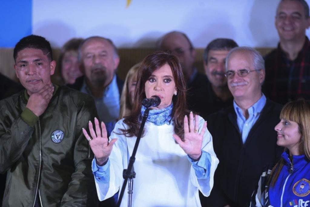 """Con palos para Bullrich, Cristina pidió el voto """"para frenar a Macri"""""""