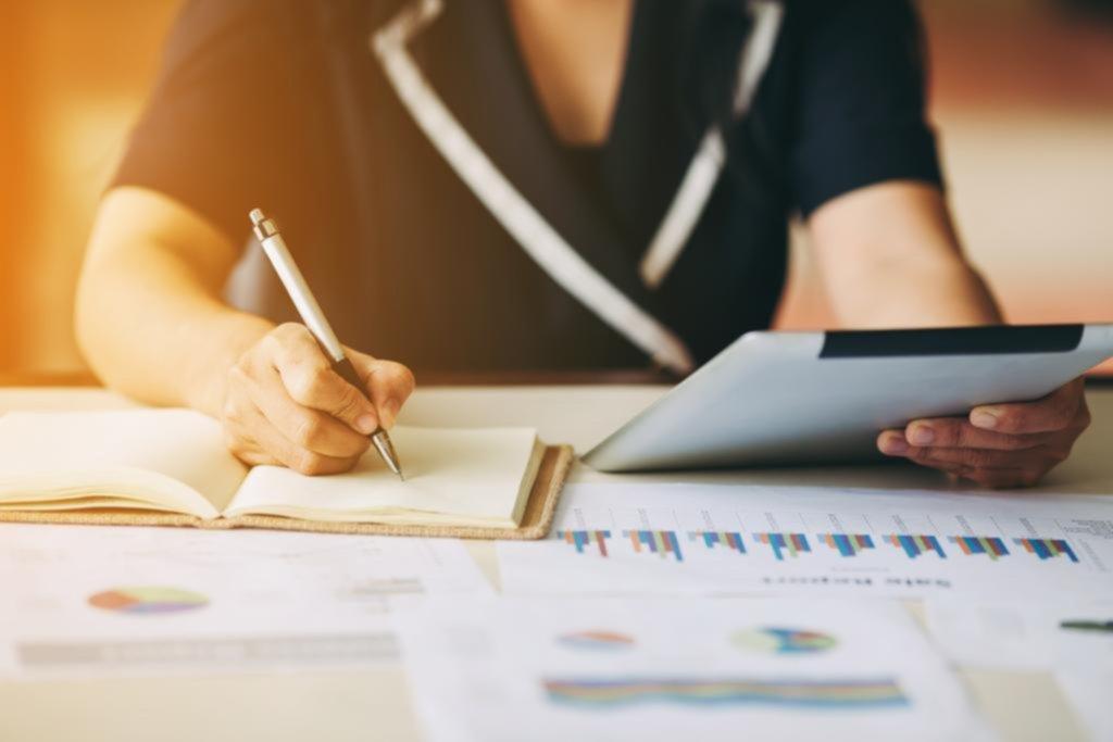 Para hacer crecer los ahorros, ahora, recomiendan Lebac, bonos y acciones