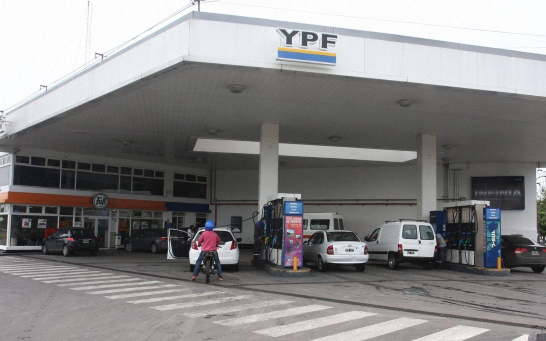 YPF aplicó un nuevo aumento en las naftas
