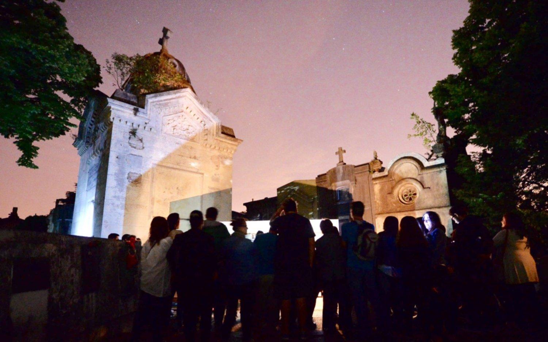 Realizan una nueva visita guiada para conocer el Cementerio Municipal
