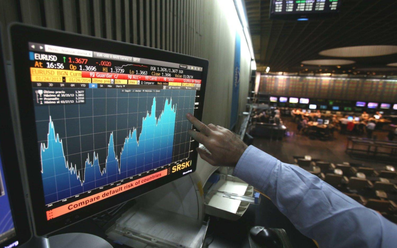 El riesgo país se ubica en los 739 puntos, un nuevo récord