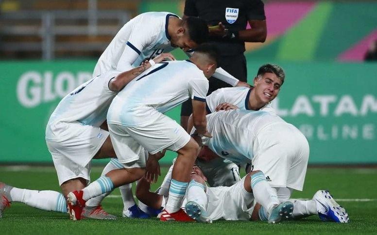 Argentina goleó a Honduras y ganó la dorada