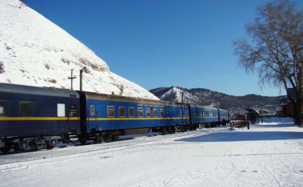 El espectáculo de la aurora boreal en Rusia a bordo de un tren