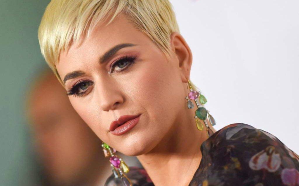 Un modelo acusó a Katy Perry de acosarlo sexualmente mientras grababan un clip