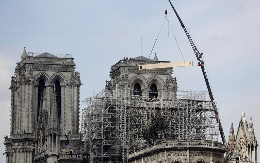 """El Gobierno francés alerta sobre el riesgo """"persistente"""" de hundimiento en Notre Dame"""