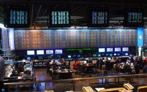 La bolsa porteña bajó 1,40% y el riesgo país alcanzó los 1.946 puntos
