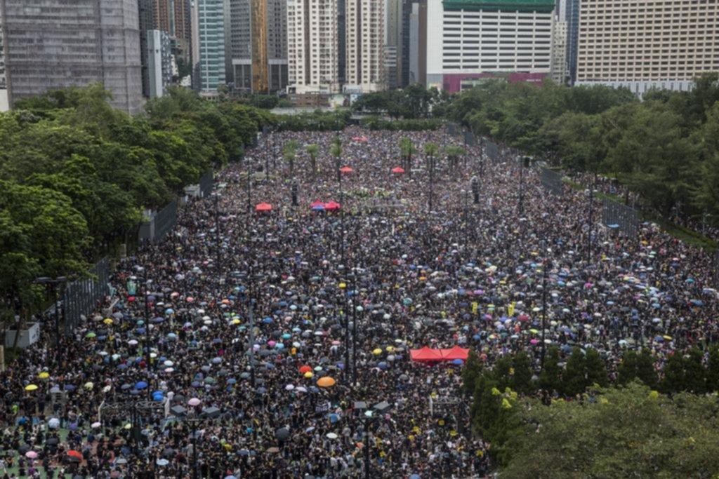Pese a la advertencia china, Hong Kong tuvo otra masiva marcha prodemocrática