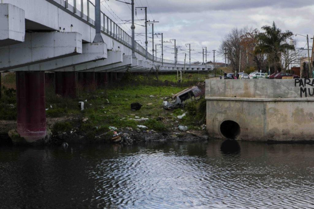 Vuelven a la carga por los niveles de contaminación alarmante en el Arroyo El Gato