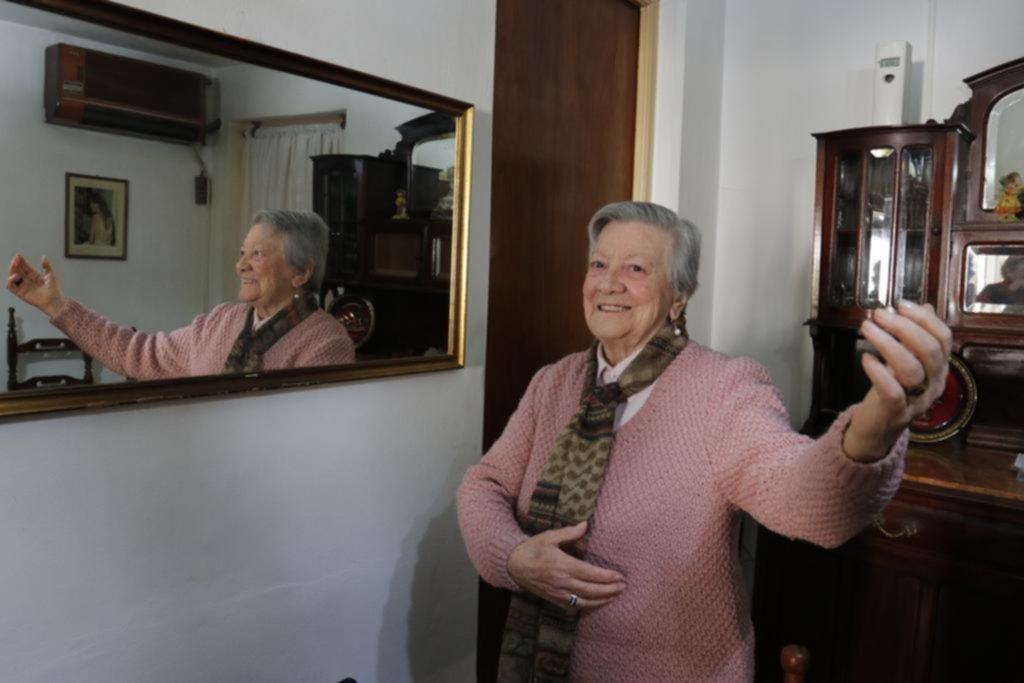 Vitalidad y superación de una jubilada platense de 91 años que bailó en el mundial de tango