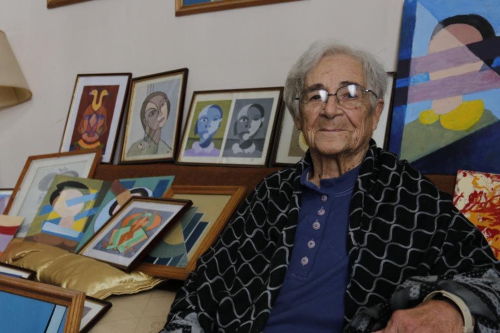 La abuela de las armas ahora quiere cambiar sus pinturas por alimentos