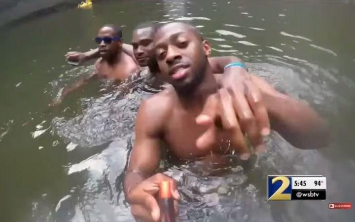 Nadaba con amigos y se ahogó: youtuber halló la tarjeta de memoria con sus últimos momentos