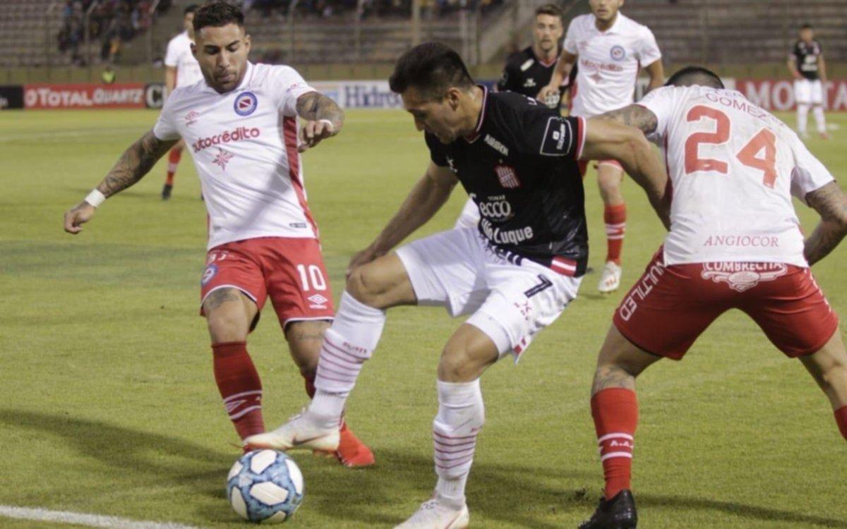 El Bicho le ganó por penales a San Martín de Tucumán y pasó a octavos de la Copa Argentina