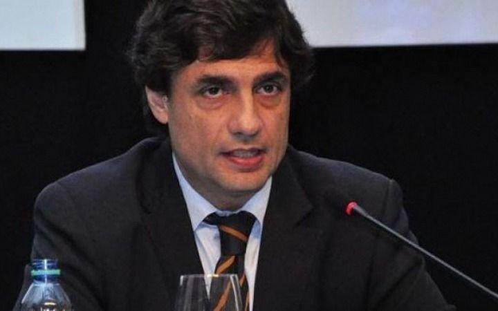 """Lacunza aseguró que el actual valor del dólar """"permite ser competitivo frente al resto del mundo"""""""