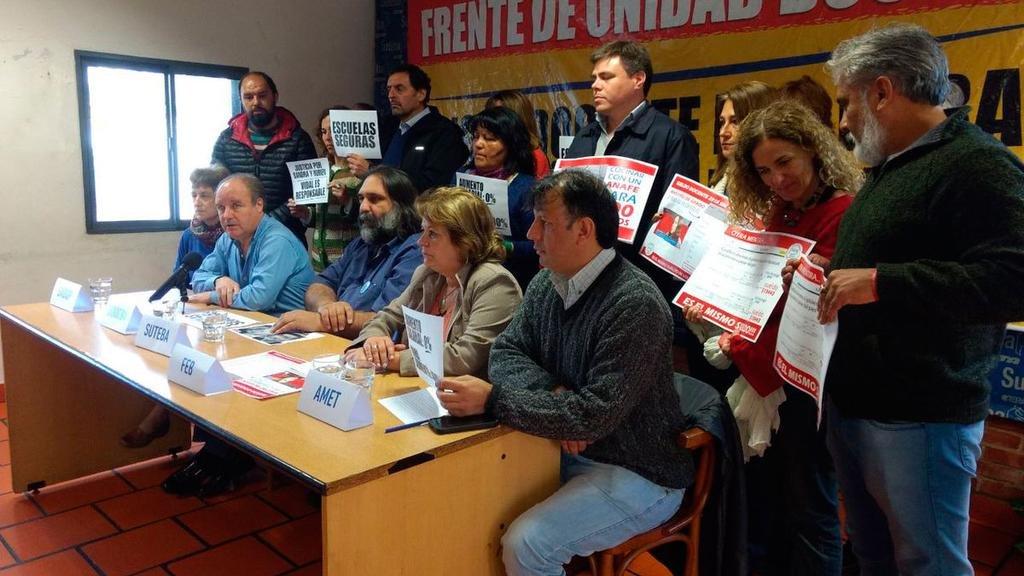 Docentes de la Provincia piden que el Gobierno reabra la paritaria salarial
