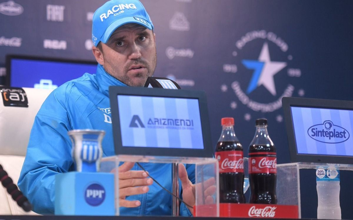 """""""Los jugadores se tiran de cabeza por mí"""", dijo el DT de un equipo de la Superliga"""