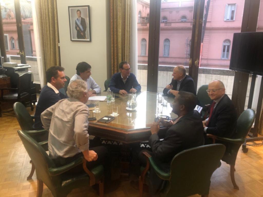 Primer contacto de Lacunza con la misión del FMI